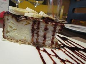 banana & berry cheesecake