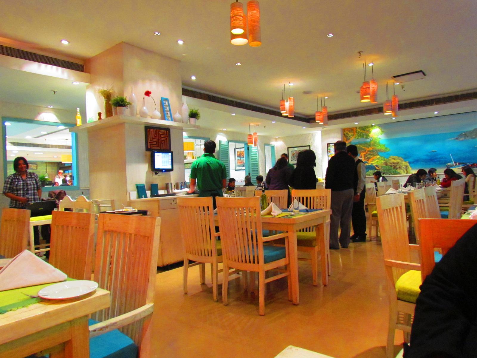 good ambience restaurants in delhi