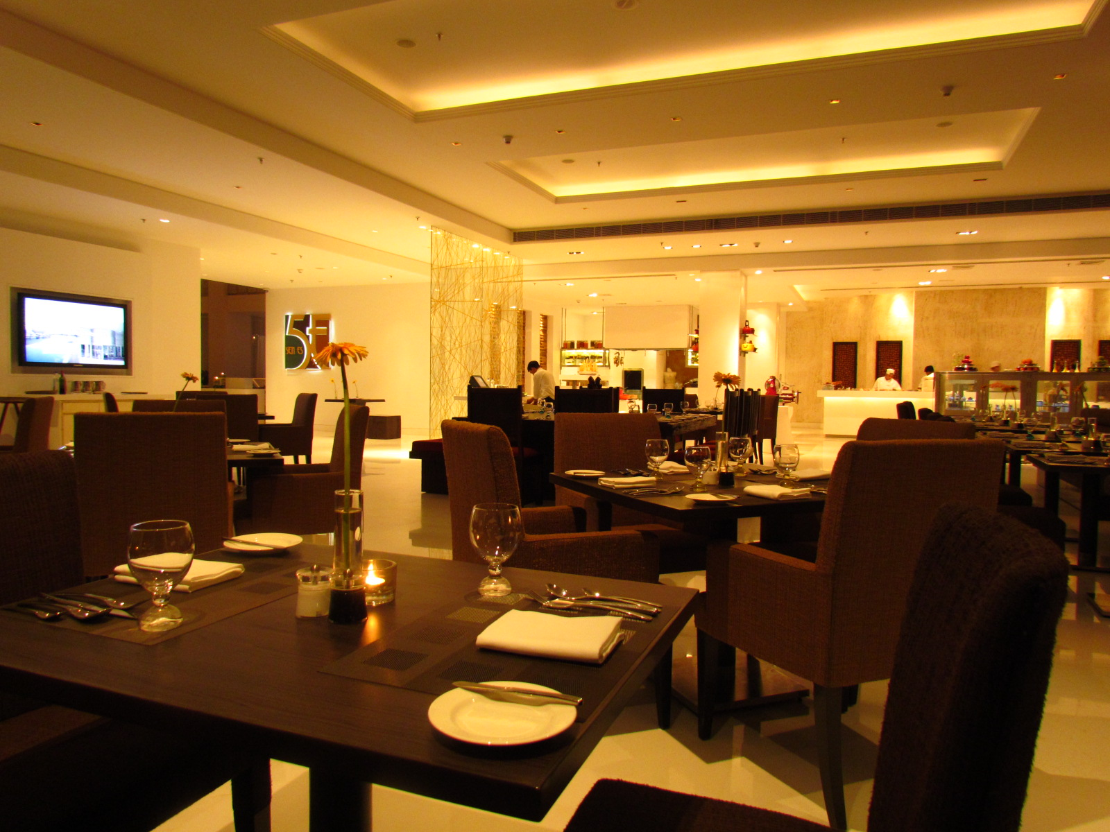 Sen5es pullman hotel gurgaon yummraj for Pullman hotel