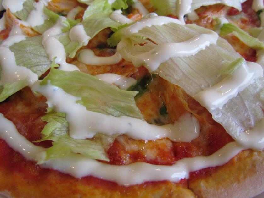 thin crust pizza - Greek