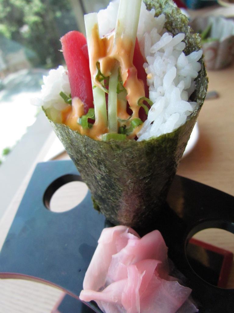 Spicy Tuna temaki –Spicy tuna hand roll