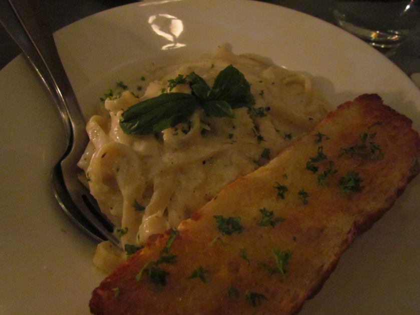 Fettucine in alfredo sauce, walnuts & gorgonzola cheese,