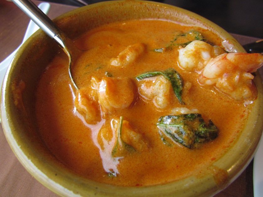 Red curry with prawns