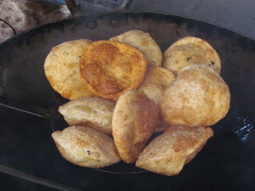 Freshly fried pooris
