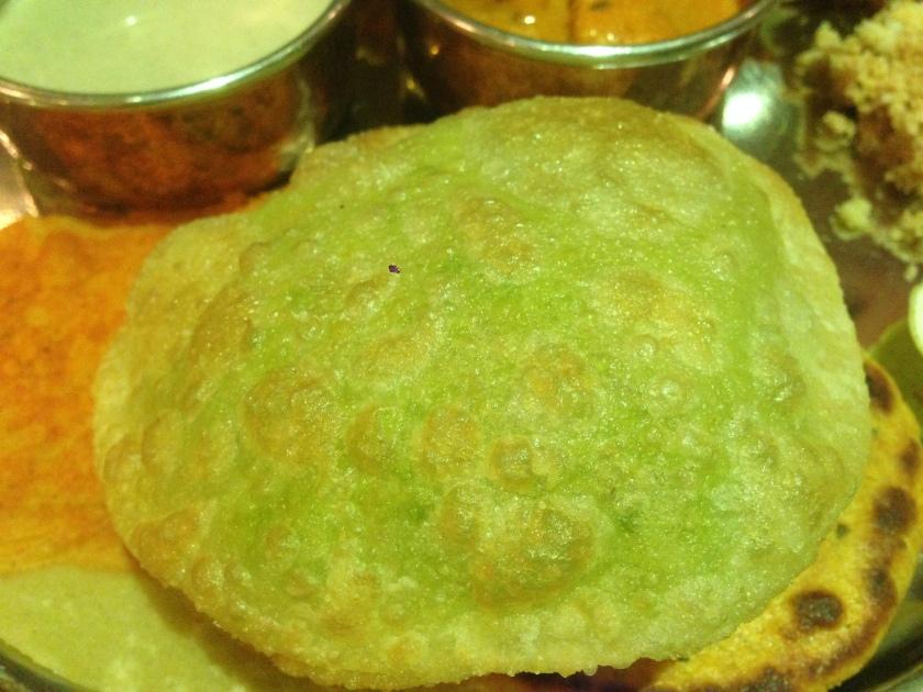Green peas kachori