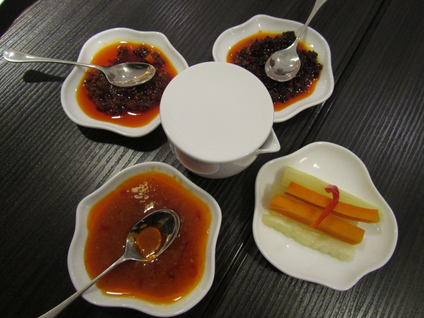 Condiments & sauces - served b4 the food started arriving