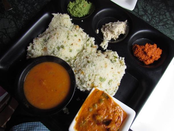 sambar in black round bowl