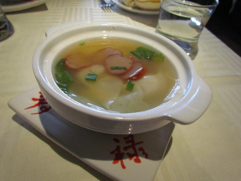 Barbeque Wonton thong Soup