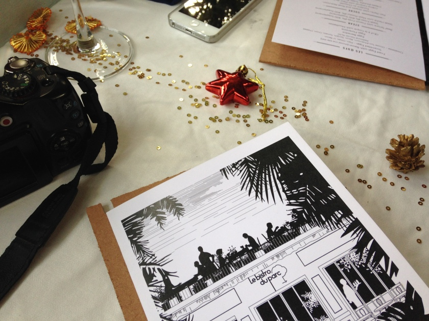 the menu card & christmas deco on the table