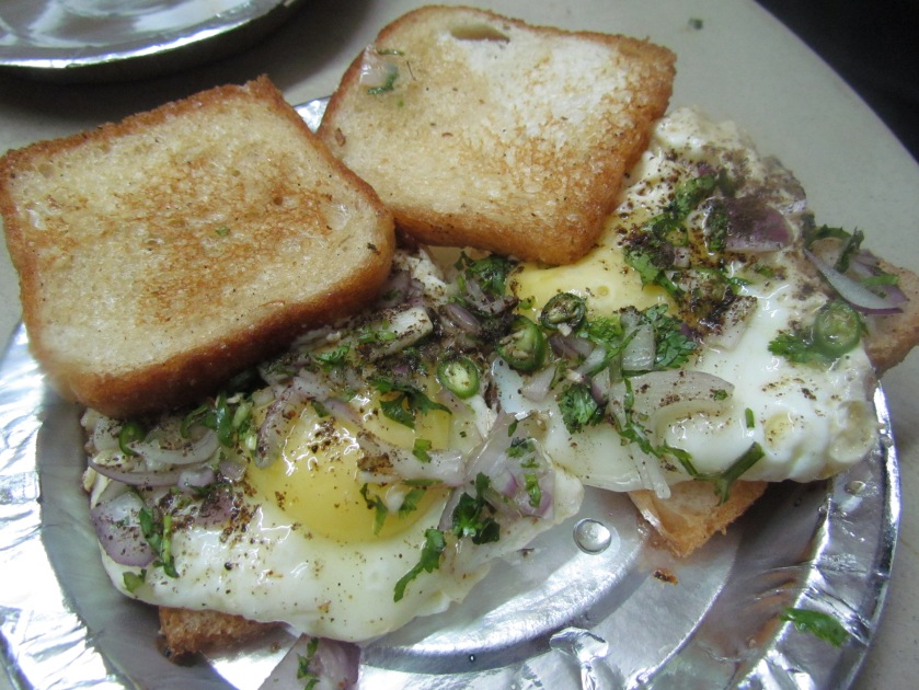 Half fry omelet