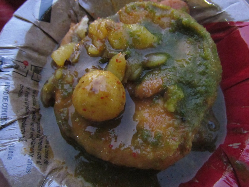dal kachori with aloo ki subzi & chutneys