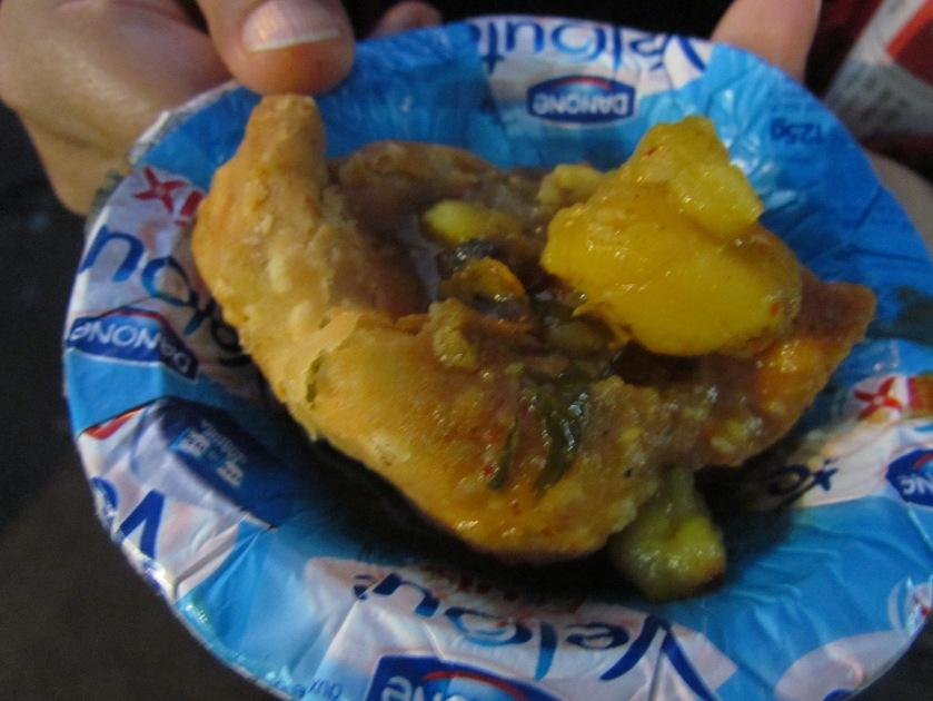samosa with aloo ki subzi and chutneys