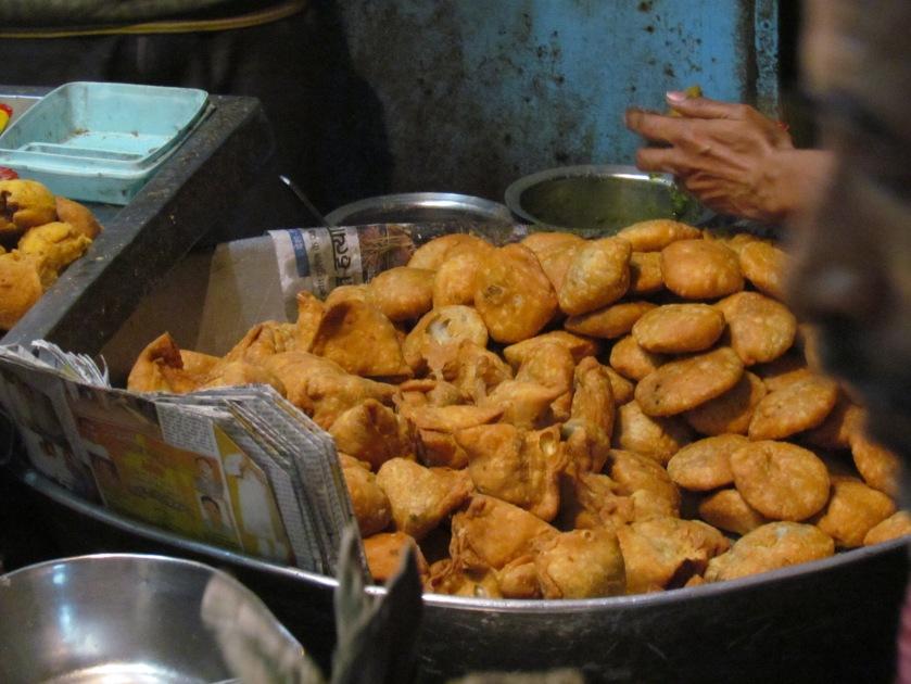 kachoris & samosas ready to b served
