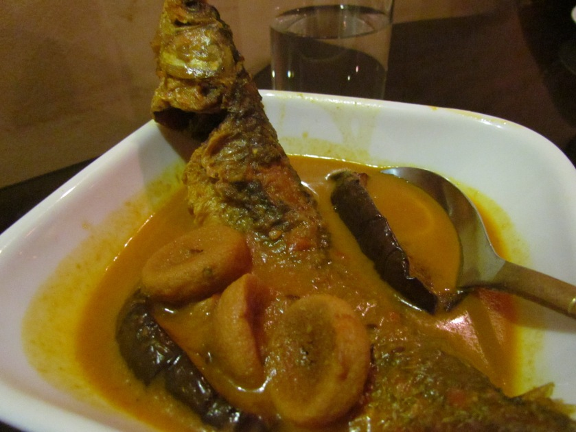 Parshey fish jhol with begoon (aubergines) and bori