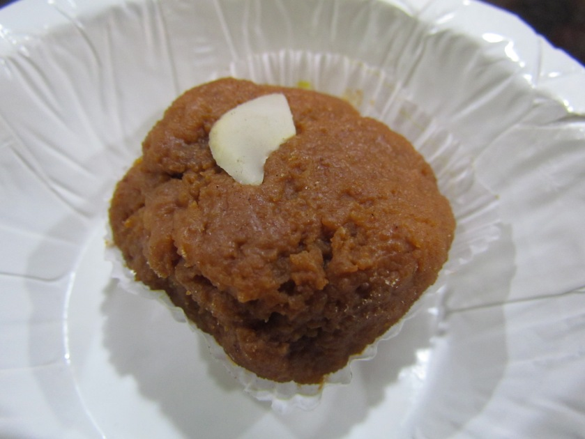 Browned khoya laddoo