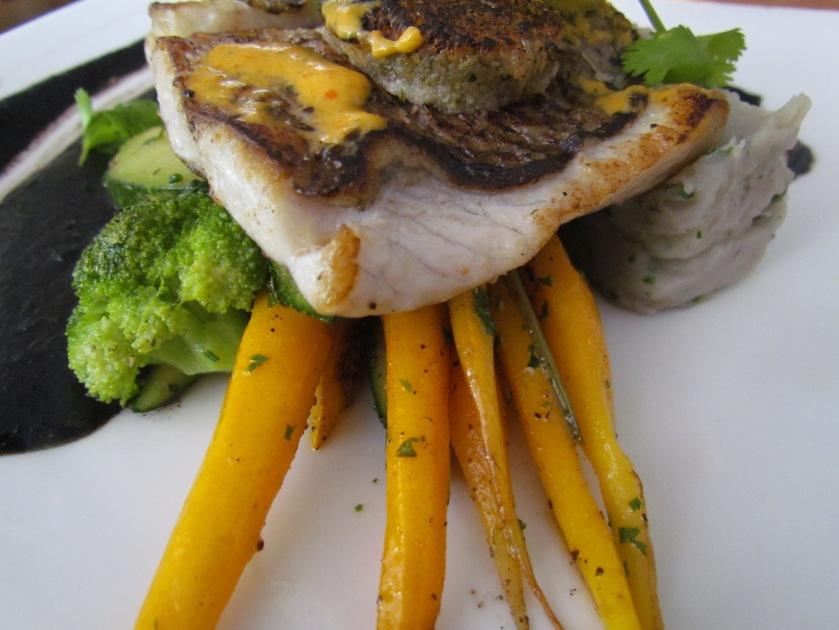 Lobo de robalo seabass fillet with pepper crust, baby carrots