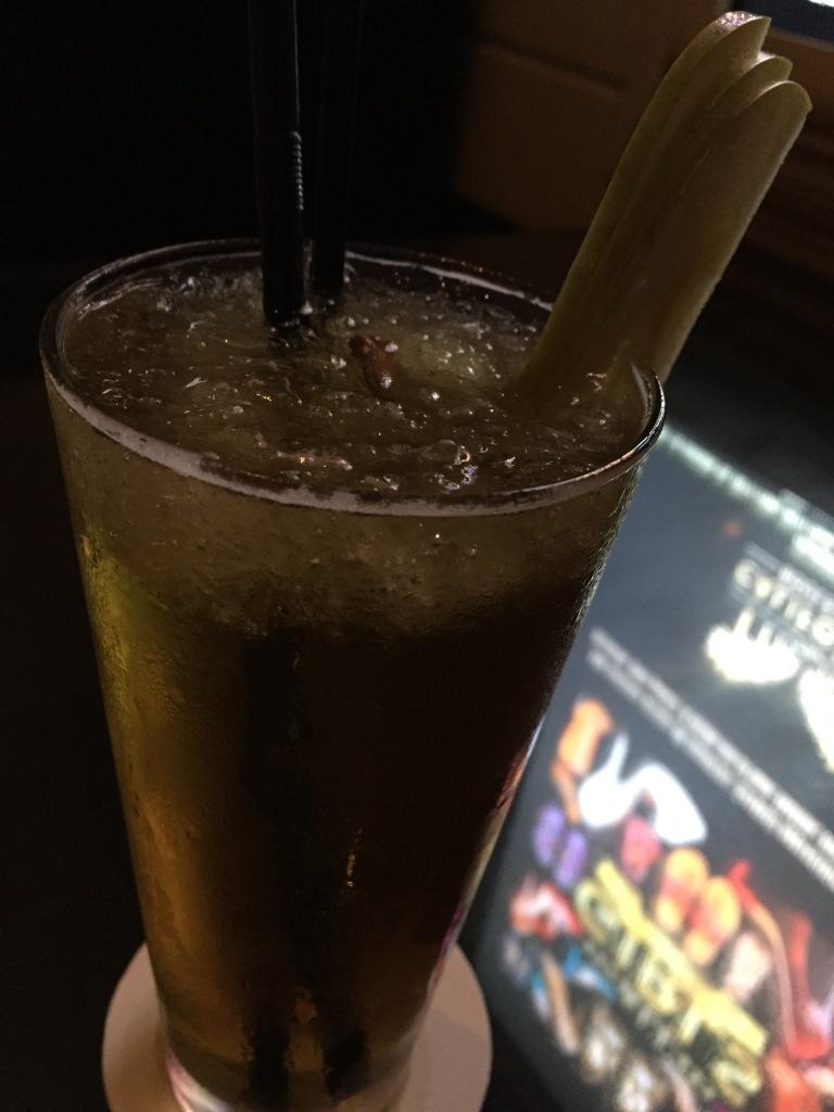 Clove and green apple lemonade