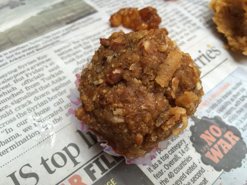 Gond ka laddoo made with singhare ka atta