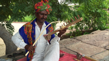 Rawanhattha street musician