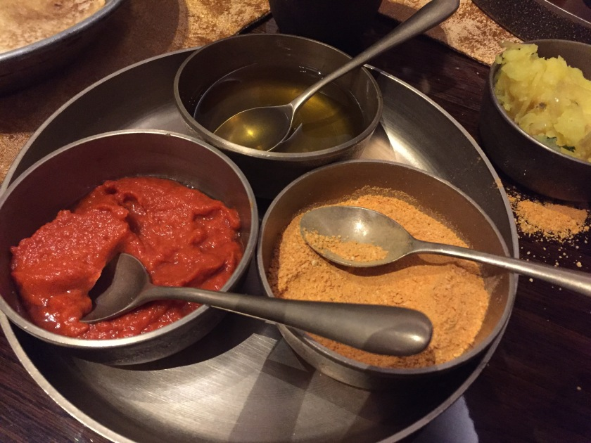 chutneys with idli