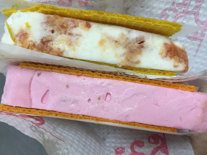 all ice creams served in between wafers