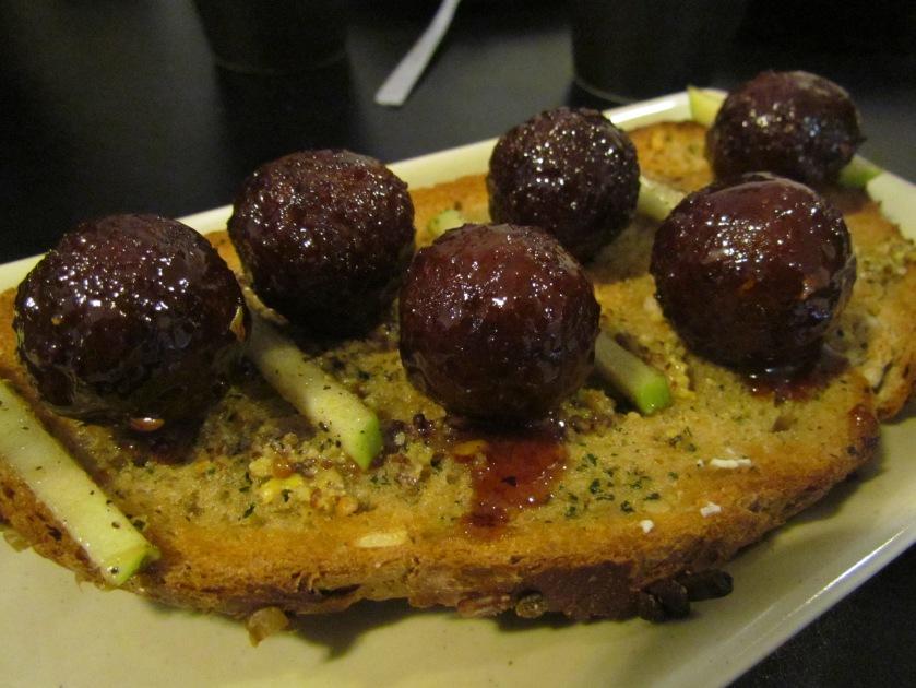 Meatball toast